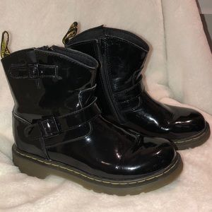 Dr. Martens patent leather boot ladies 5
